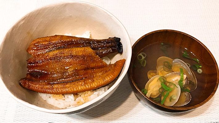 鰻丼とお吸い物