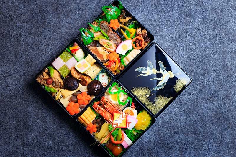 定番のおせち料理の構成は4種類