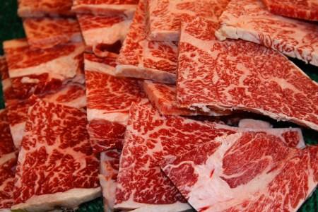 広島県産黒毛和牛肩ロース すき焼き・しゃぶしゃぶ用550g&焼肉用550gセット