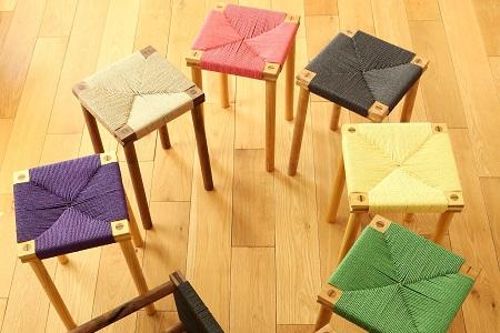 小椅子(高さ244mm)