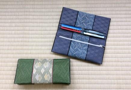 畳の縁(へり)で長財布